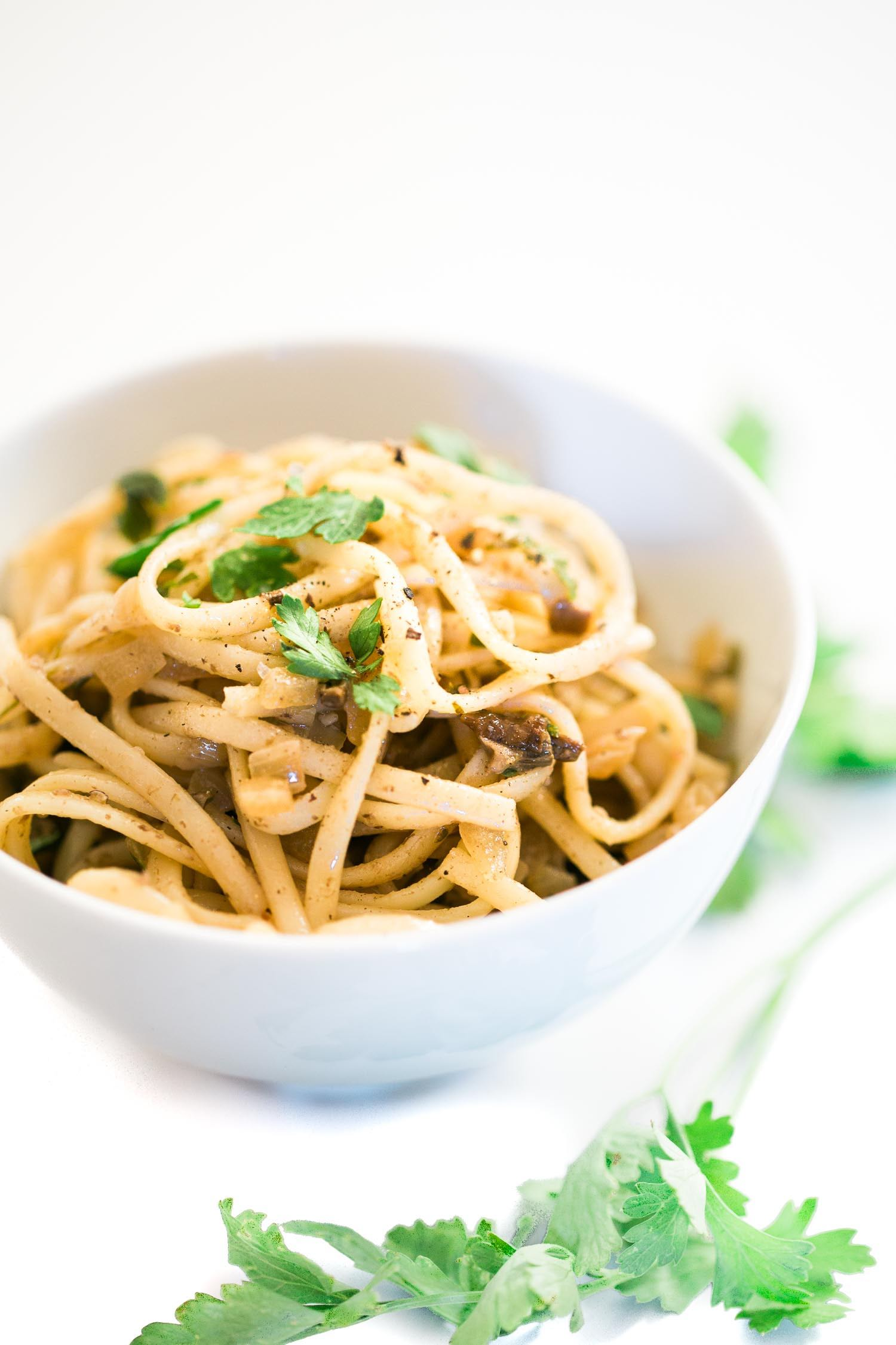 Linguine pasta recipe with Porcini Mushrooms, truffles, garlic and fresh parsley. Ready in 15 minutes. Bellissima!