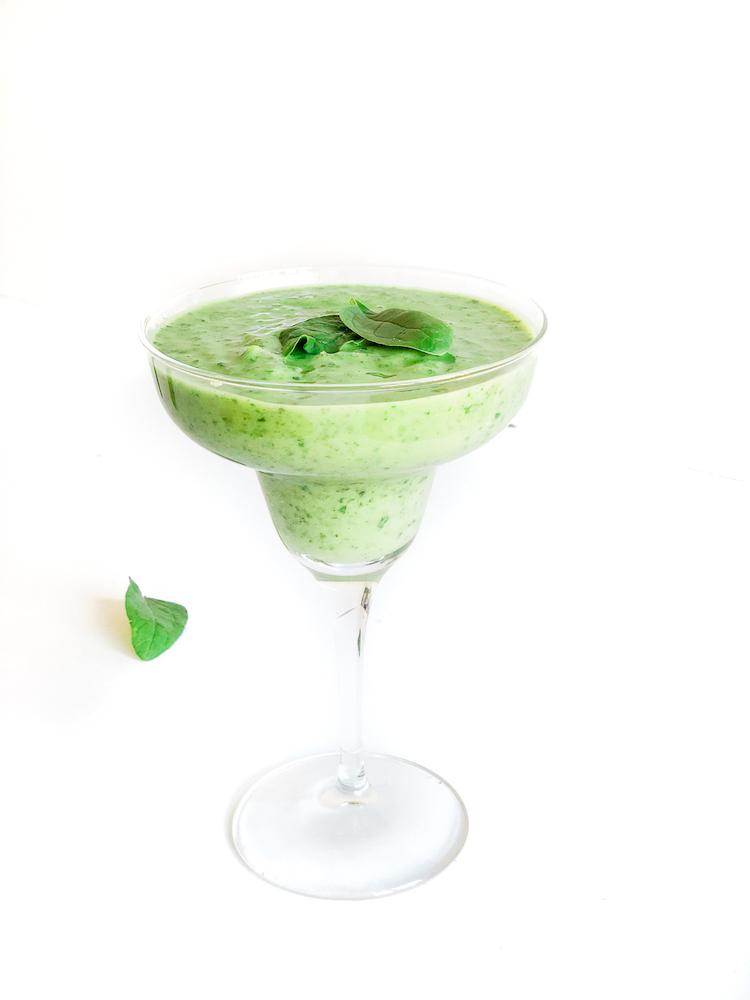 Green protein avocado breakfast smoothie recipe