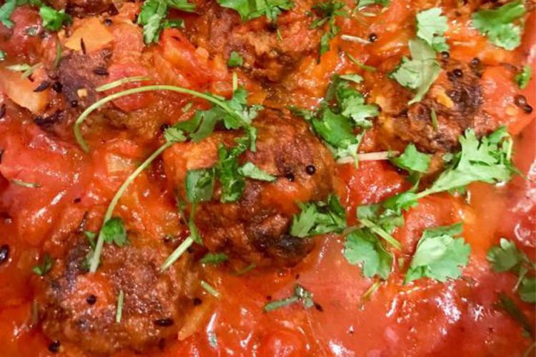 Vegetarian kofta balls vegan curry